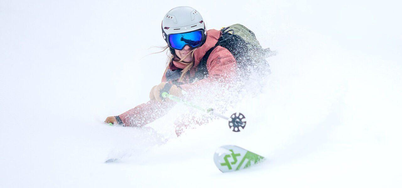 스윗프로텍션 스키 헬멧 스위쳐, 인터스텔라 스키 고글 착용 샷